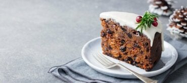 Yaban Mersini ve Kakaolu Kek: Sağlıklı Bir Tatlı