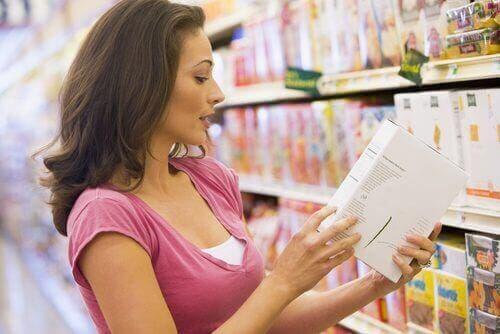 Çölyak hastaları aldıkları besinlerin etiketini mutlaka kontrol etmelidir