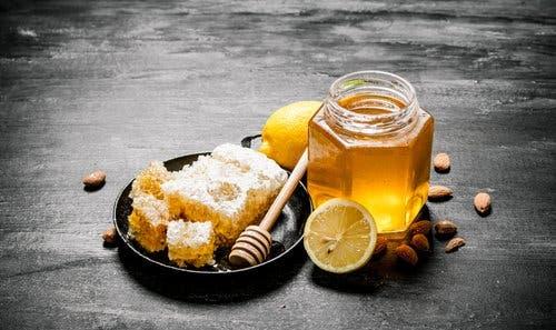 Gribi atlatmak için bal ve limon ile yapılan bir doğal karışım.