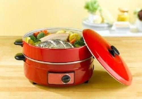 Buharda yemek yapmayı sağlayan bir mutfak aleti.