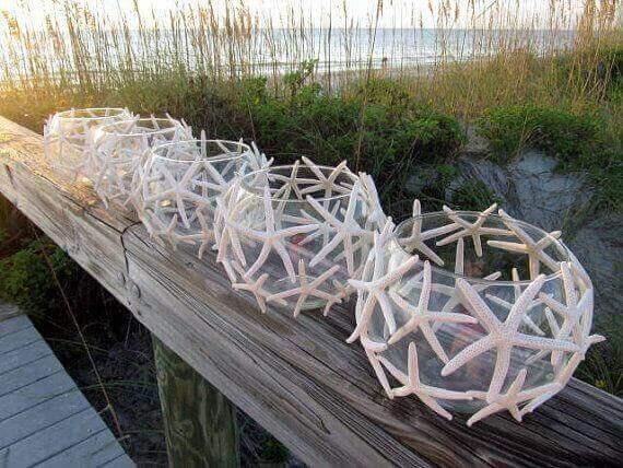 Cam kaselerden yapılmış fenerler.