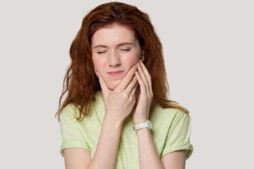 Temporomandibüler Gerginlik Sendromu