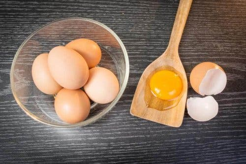 Bir kase yumurta.