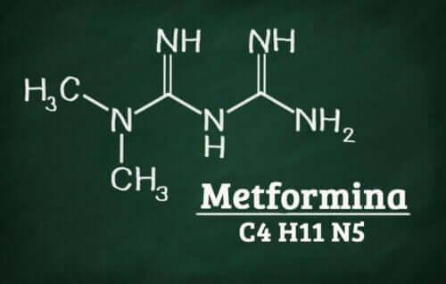 Metformin kimyasal formülü