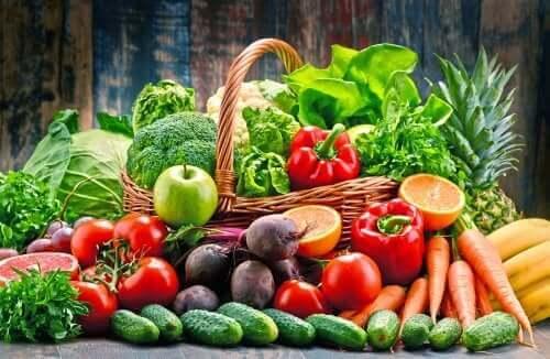 Bazı sebze ve meyveler.