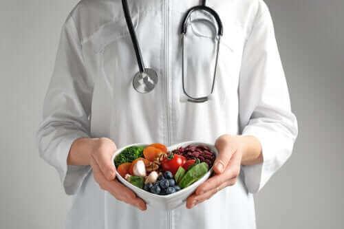 Kalbinizi Sağlıklı Tutmak İçin Nasıl Sağlıklı Beslenmelisiniz