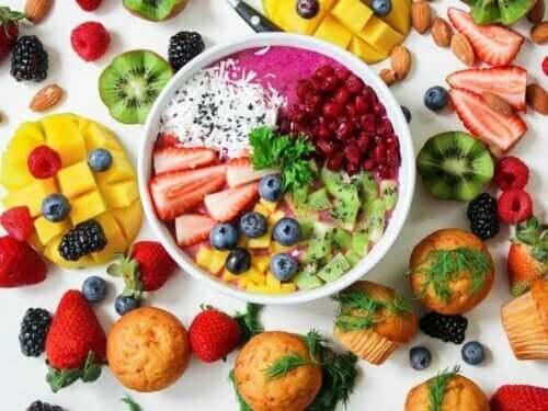 meyve salatası kase