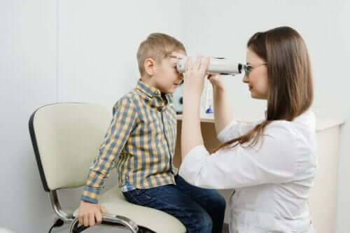 Retinoblastom: Semptomları, Sebepleri ve Tedavisi