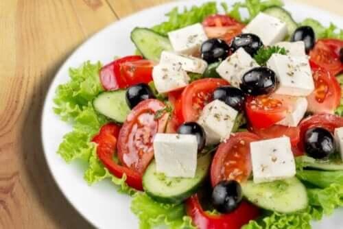peynirli salata