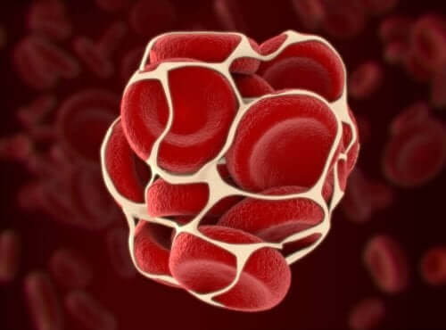 Pıhtılaşma problemi sırasında kırmızı kan hücreleri