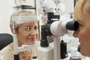 Yüksek Göz Tansiyonu: Nedenleri ve Tedavisi