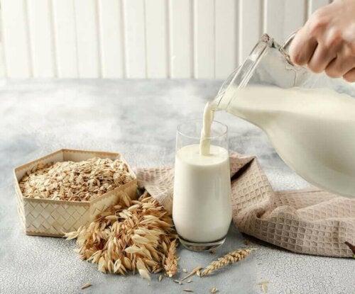 yulaf sütü sürahi yulaf