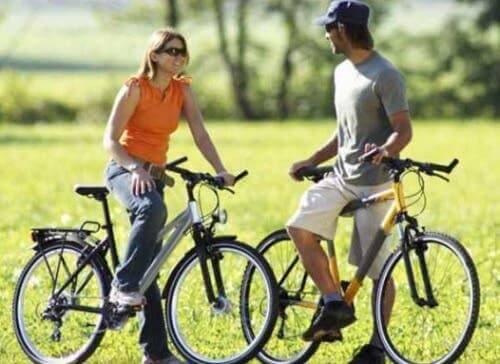 bisiklete binen kadın erkek yüksek kan basıncı olan