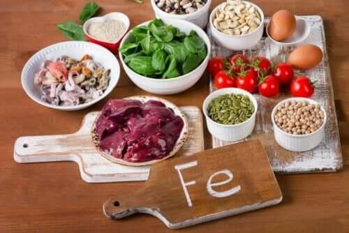 Demir bakımından zengin olan bazı gıdalar.