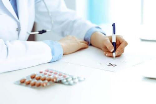 ilaç yazan doktor