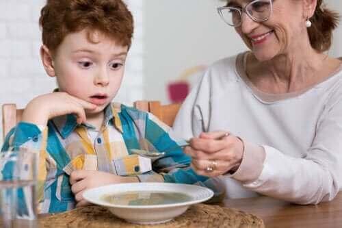 Otizmli Çocuklarda Yeme Bozuklukları