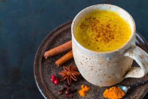 Zerdeçal Çayı İçmenin Beş Faydası