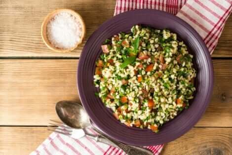 Bir porsiyon Tabbule salatası