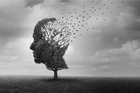 İnsan kafası şeklinde ağaç görseli