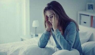 Geceleri Kaygı: Belirtileri, Nedenleri ve Tedavisi