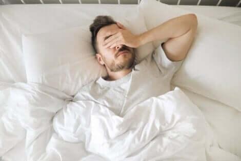 Uyku problemi yaşayan adam