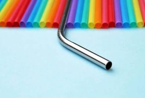 Metal Pipetler: Plastik Ayak İzini Azaltmak İçin Alternatif
