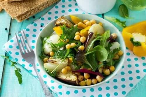Lezzetli Nohut ve Patlıcan Salatası