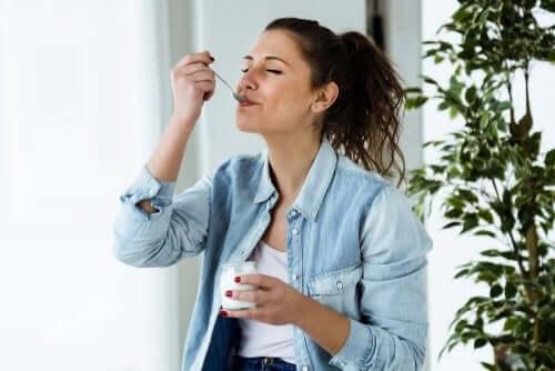 Sağlıklı bir yoğurt