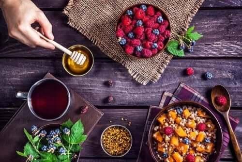 Bal meyve ve tahıllar