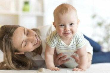 Bebek Kıyafeti İçin En İyi Materyaller Nelerdir?