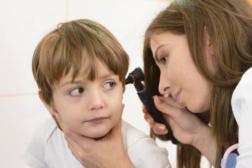 kulak çocuk doktor