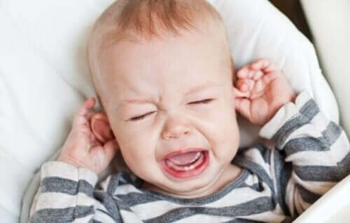 Bebeklerde ve Çocuklarda Kulak Enfeksiyonu