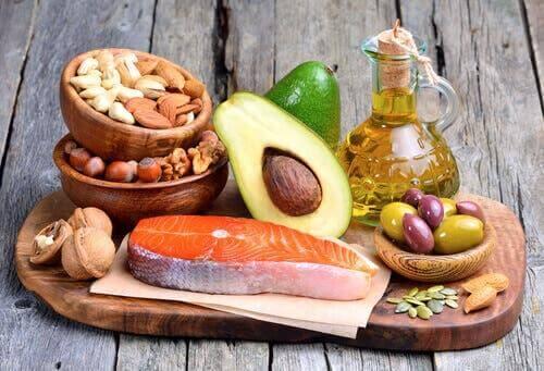 Bir dizi sağlıklı gıda.