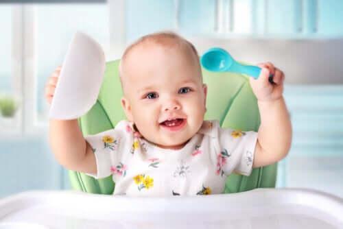 Bebekler Katı Gıda Tüketimine Ne Zaman Başlamalıdır?