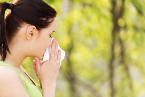 Polen Alerjileri için En İyi 5 Doğal Çözüm