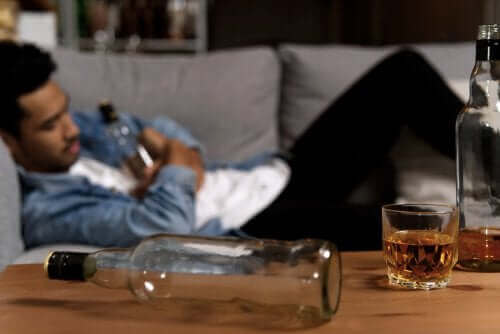 Partnerim Alkolik: Ona Nasıl Yardımcı Olabilirim?