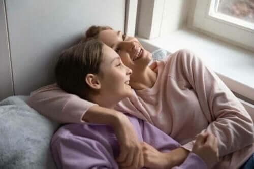 anne kız mutlu