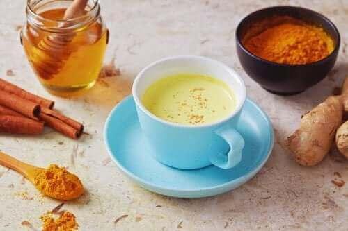 Biberli ve Ballı Çay ile Öksürükle Nasıl Mücadele Edilir