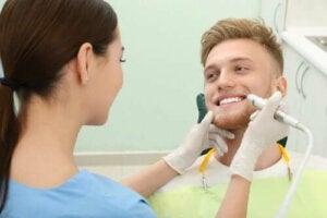 Dişlerinizdeki Tartarı Yok Etmek İçin 4 Yöntem