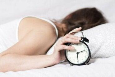 İyi Bir Uyku Çekmek için Gece Rutininizi İyileştirin