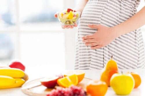 hamile kadın meyveler