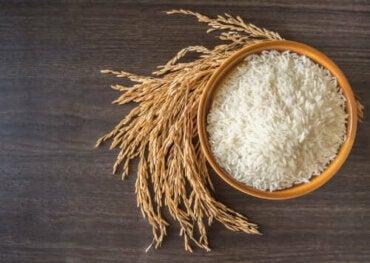Sağlıklı Bir Şekilde Pirinç Pişirmek İçin İki Yol