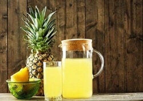 Ananas kabuğu ile hazırlanmış probiyotik bir içecek.