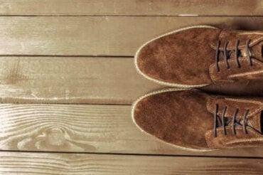 Süet Ayakkabı Nasıl Temizlenir: Yararlı İpuçları