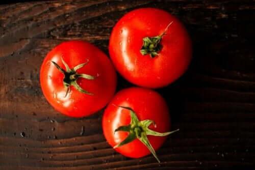 üç domates