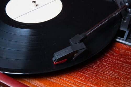 Vinil Kayıtlar Kullanarak Dekorasyon Nasıl Yapılır: 5 Orijinal Fikir