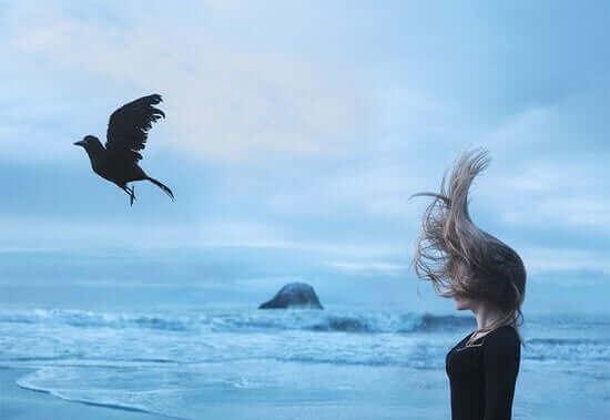 kuş kadın dalga deniz