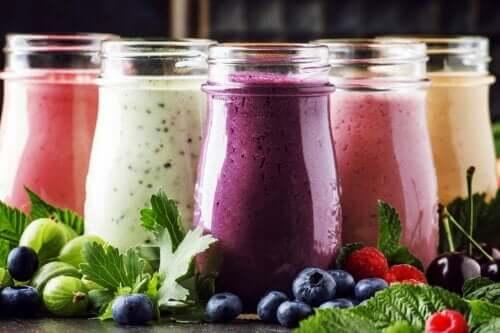 Meyveli ve Yoğurtlu Smoothie: Neden Hazırlamalıyız?