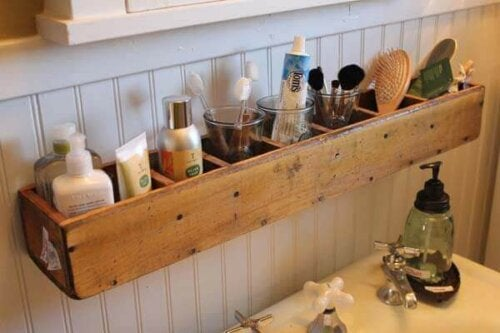 ahşap organize edici banyo