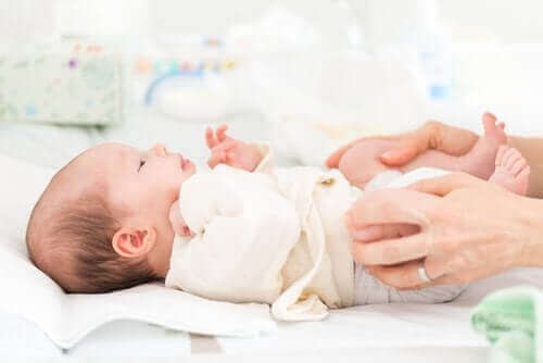 Bebeklerde Doğuştan Kalça Çıkığı